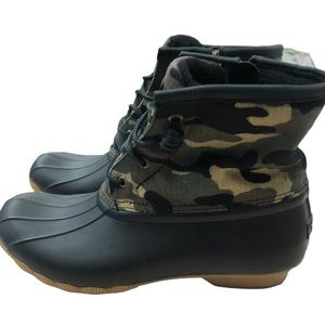 SPERRY CAMO DUCK BOOTS 9